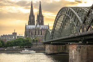 Abstellplatz für Wohnwagen in Köln und Umgebung finden